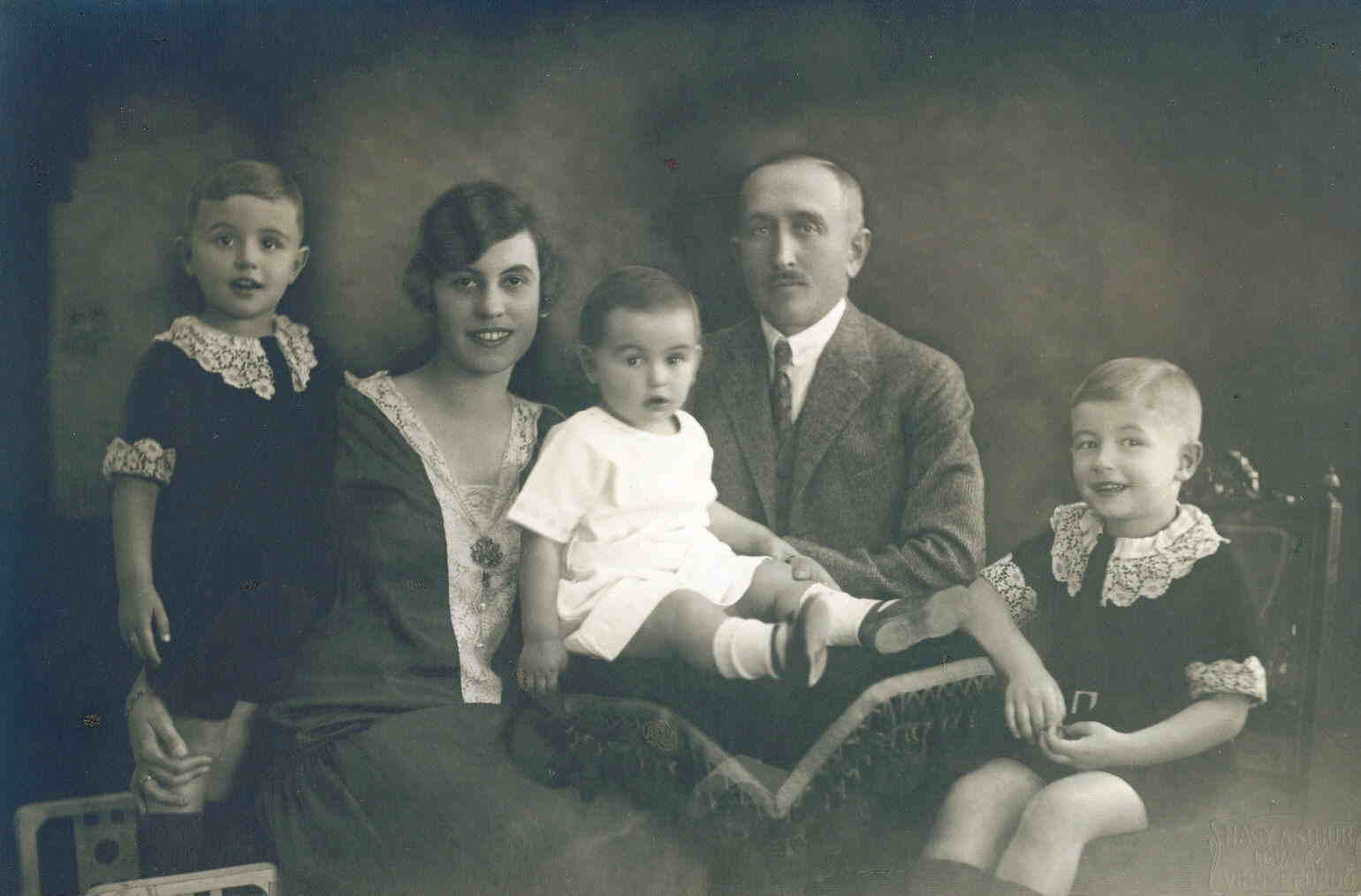 Mihalyi Family Photograph 1928